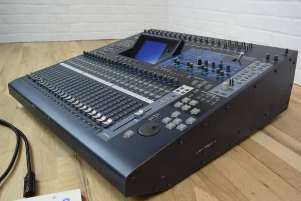 yamaha 02r96 digital mixing console near mint used audio reverb. Black Bedroom Furniture Sets. Home Design Ideas