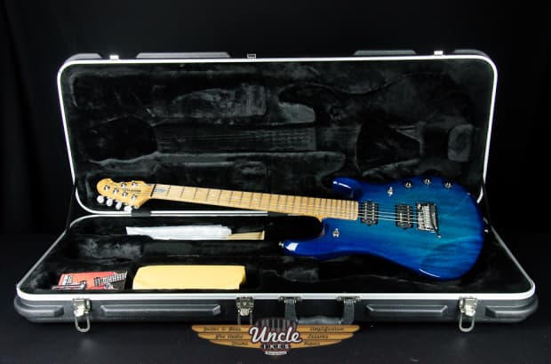 New Music Man Petrucci Neptune Blue Pdn Limited Edition