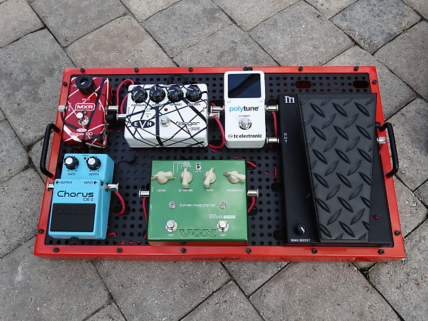 complete temple audio pedalboard with pedals power supply reverb