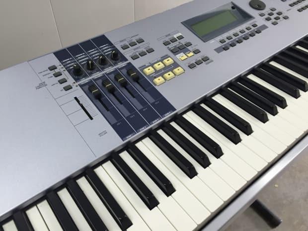Yamaha motif es8 88 key keyboard synth excellent condition for Yamaha motif keyboard