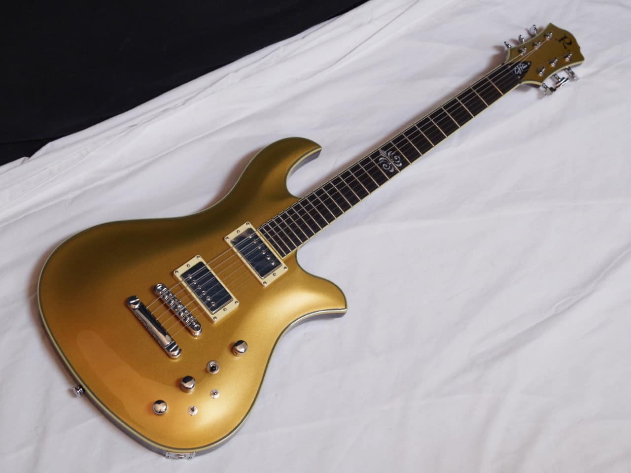 Bc Rich C J Pierce Signature Pro X Eagle Guitar Gold