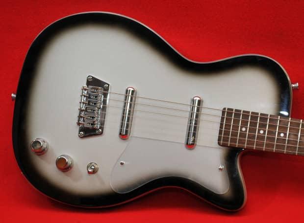 silvertone 1303 u2 reissue silverburst electric guitar reverb. Black Bedroom Furniture Sets. Home Design Ideas