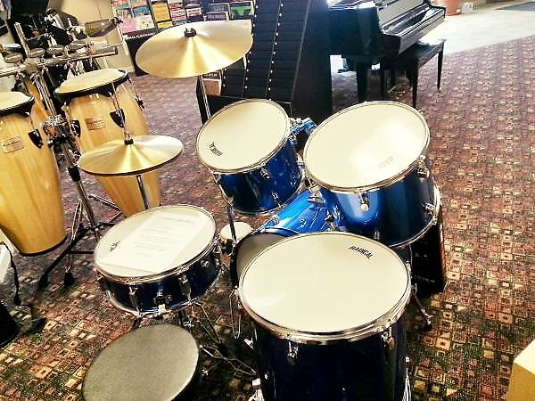 clearance price cannon 5 piece starter drum set with vic reverb. Black Bedroom Furniture Sets. Home Design Ideas