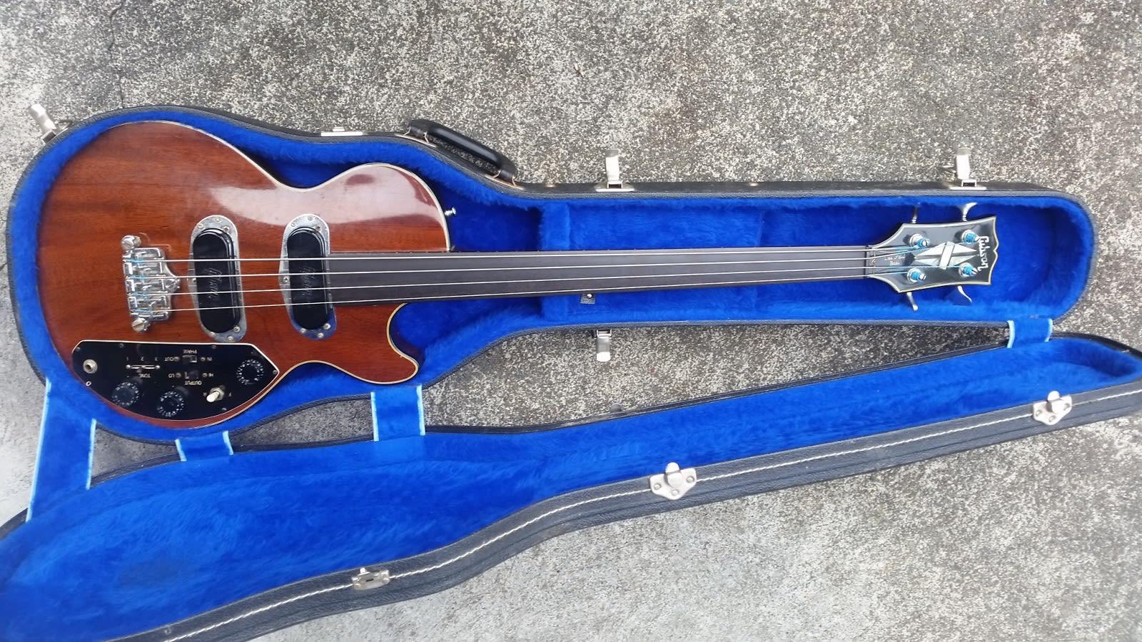 Gibson Les Paul Triumph Bass 1973 - very rare FRETLESS!
