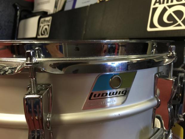 ludwig acrolite snare drum w serial reverb. Black Bedroom Furniture Sets. Home Design Ideas