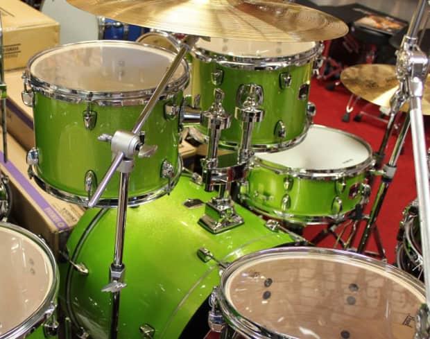 Yamaha Gigmaker  Piece Drum Set White Grape Glitter