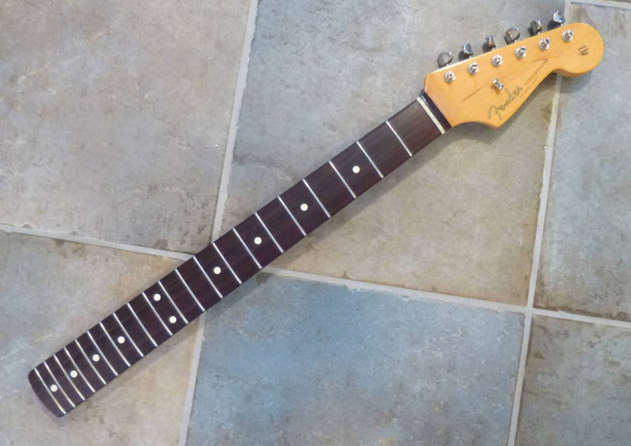 Dating usa fender stratocaster