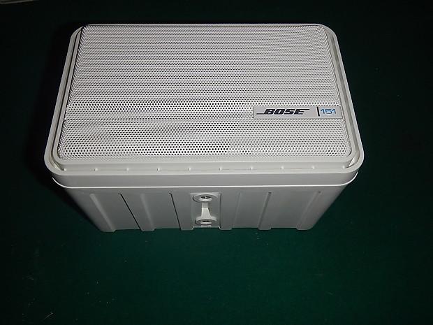 Bose 151 Indoor Outdoor Environmental Speakers 2 Pairs