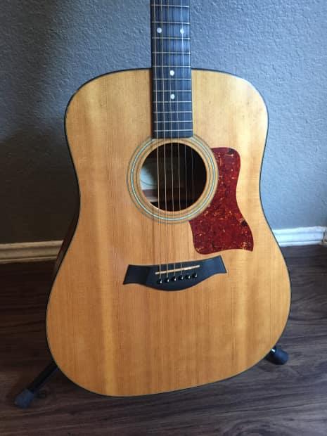 Taylor 310 acoustic gu...