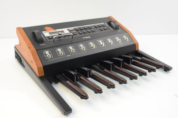 moog taurus 3 bass pedal synthesizer version iii w dust cover reverb. Black Bedroom Furniture Sets. Home Design Ideas