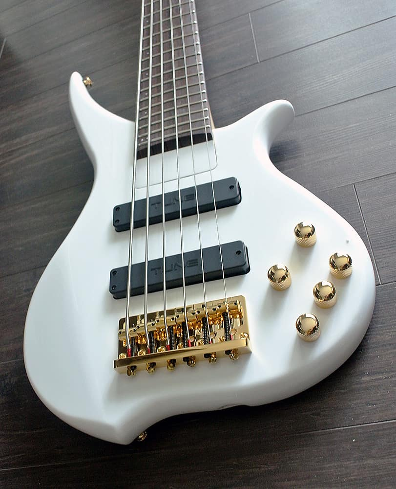 tune twx61 sw 6 string bass snow white finish band new reverb. Black Bedroom Furniture Sets. Home Design Ideas