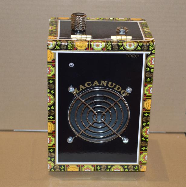 st blues cigar box amp 2