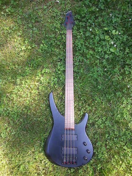 carlo robelli electric 4 string bass matte black reverb. Black Bedroom Furniture Sets. Home Design Ideas