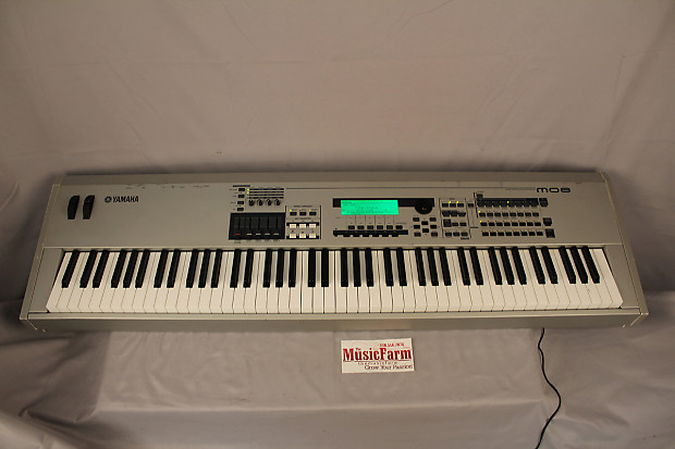 used yamaha mo8 88 key music production synthesizer motif es reverb. Black Bedroom Furniture Sets. Home Design Ideas