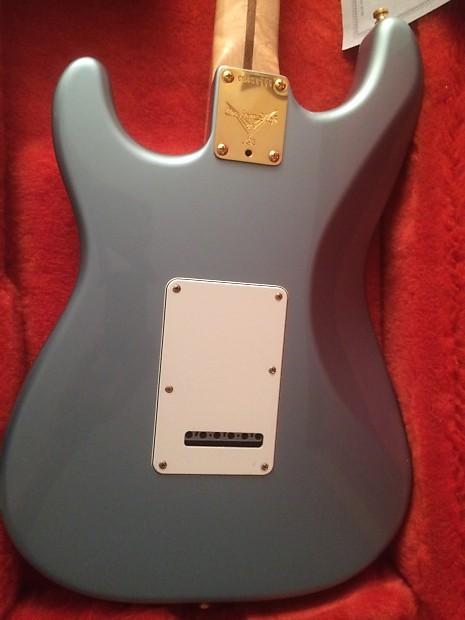 Fender custom shop american classic strat built by master for American classic customs