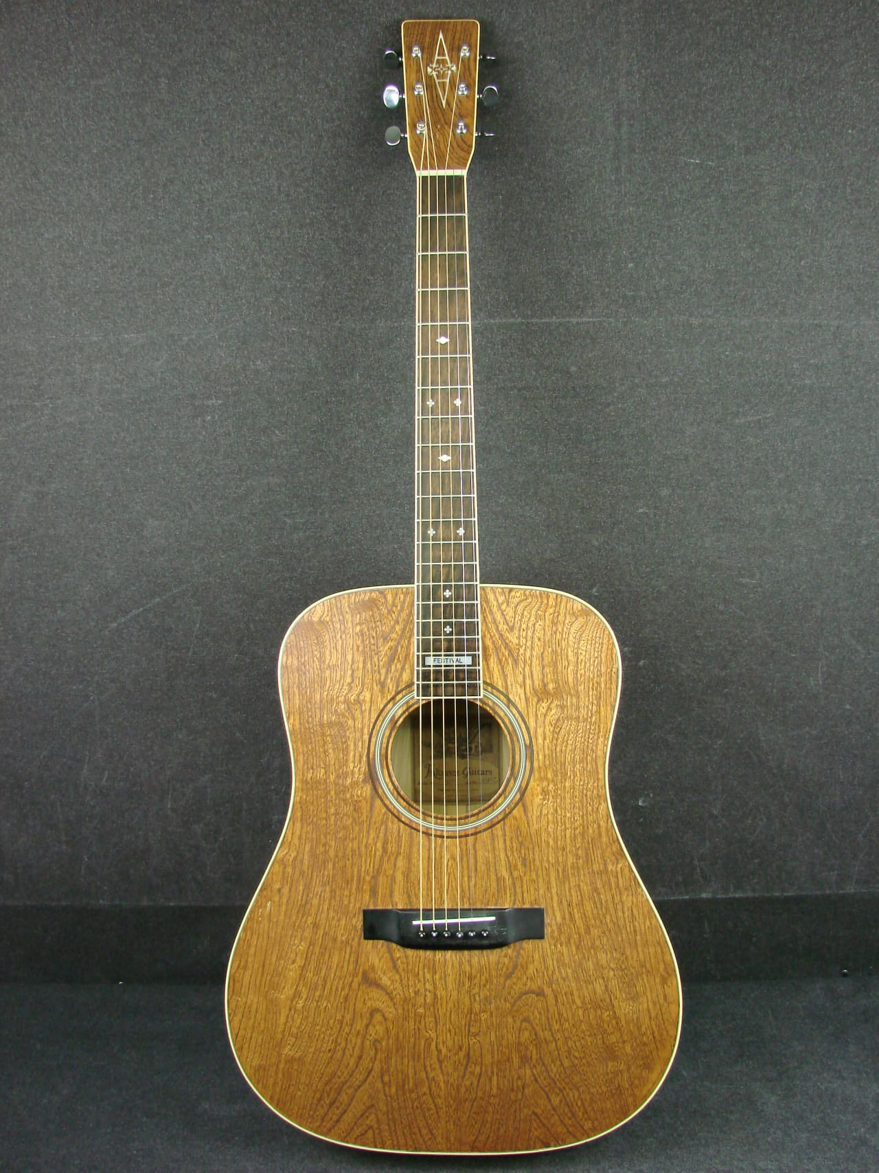 vintage alvarez guitar dating