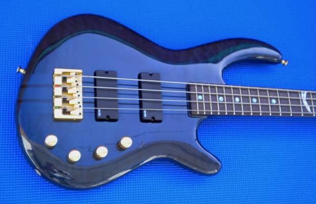 Dean European Custom 1990 S Edge Improv 4 String Bass Reverb