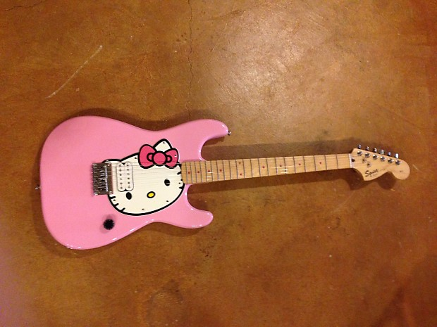 squier hello kitty electric guitar strat pink stratocaster reverb. Black Bedroom Furniture Sets. Home Design Ideas