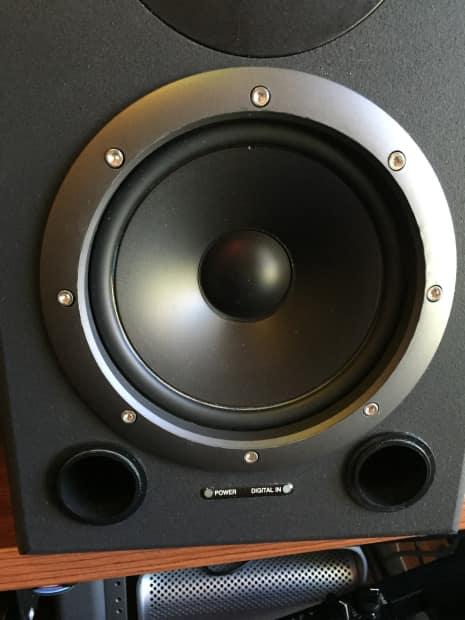 roland ds 90 speakers pair studio monitors reverb. Black Bedroom Furniture Sets. Home Design Ideas