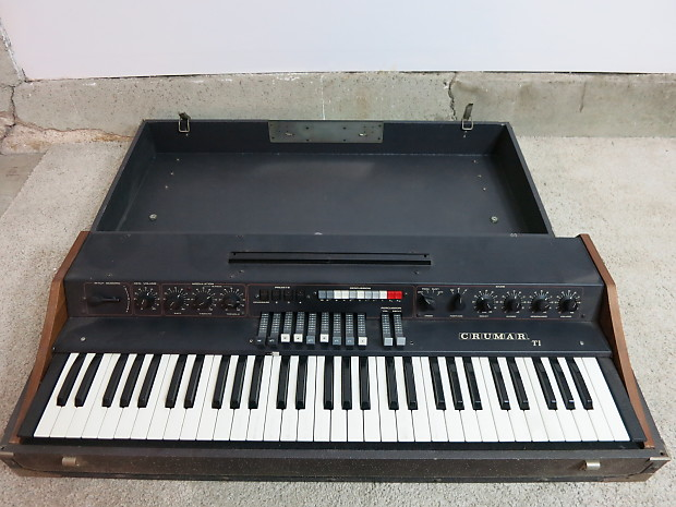 Vintage 1978 crumar organizer t1 synthesizer organ project for Classic house organ sound