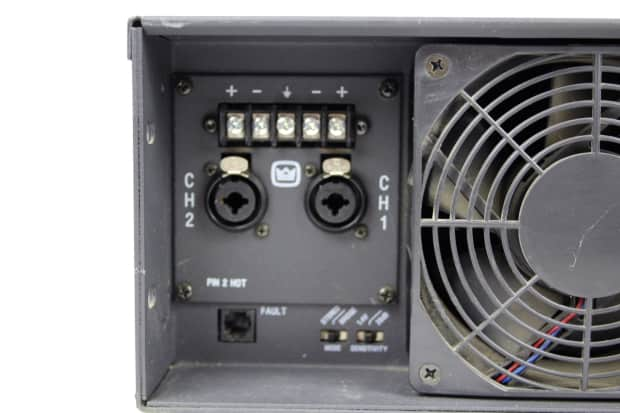 crown ce2000 rack mount power amp professional 2 channel reverb. Black Bedroom Furniture Sets. Home Design Ideas