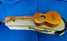 Rare Jonah Kumalae No 24 soprano ukelele 1920 solid Koa, original case image