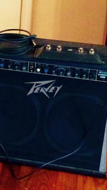 peavey stereo chorus 400 2x12 w footswitch reverb. Black Bedroom Furniture Sets. Home Design Ideas