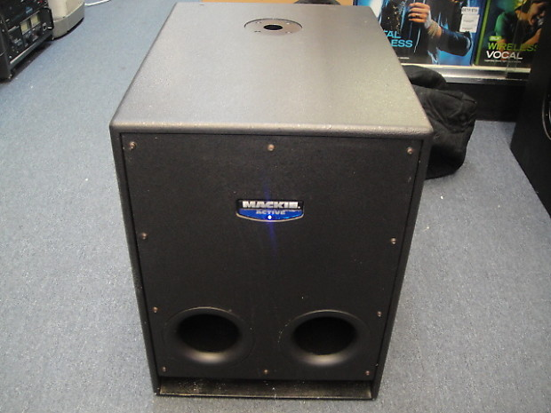mackie srs1500 active subwoofer 600 watts rms w padded cover reverb. Black Bedroom Furniture Sets. Home Design Ideas