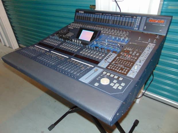yamaha dm2000 v2 digital mixer with meter bridge my16 ae reverb. Black Bedroom Furniture Sets. Home Design Ideas