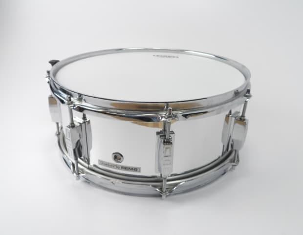 New Snare Drum Head : remo usa quadura 5 5 x 14 snare drum 8 lug chrome w new reverb ~ Russianpoet.info Haus und Dekorationen