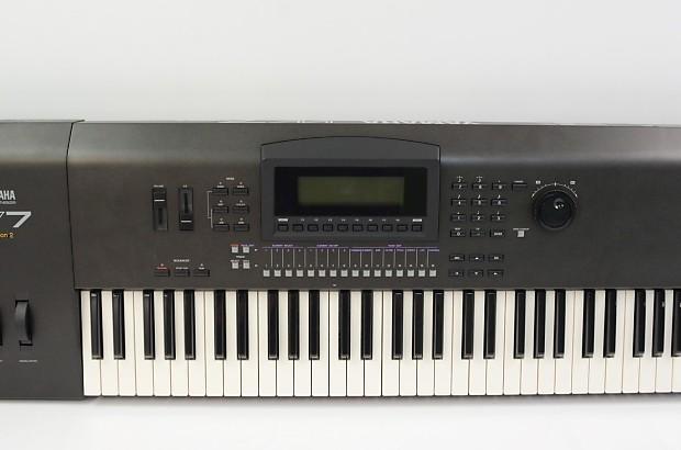 yamaha w7 v2 61 key workstation keyboard w 7 v2 reverb. Black Bedroom Furniture Sets. Home Design Ideas