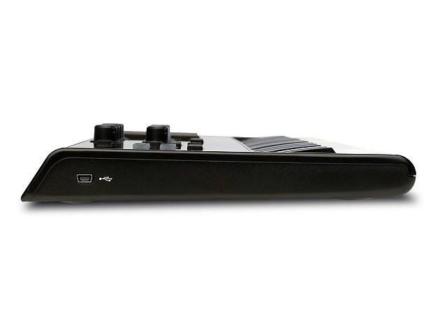 m audio axiom air mini 32 channel midi controller w samson reverb. Black Bedroom Furniture Sets. Home Design Ideas