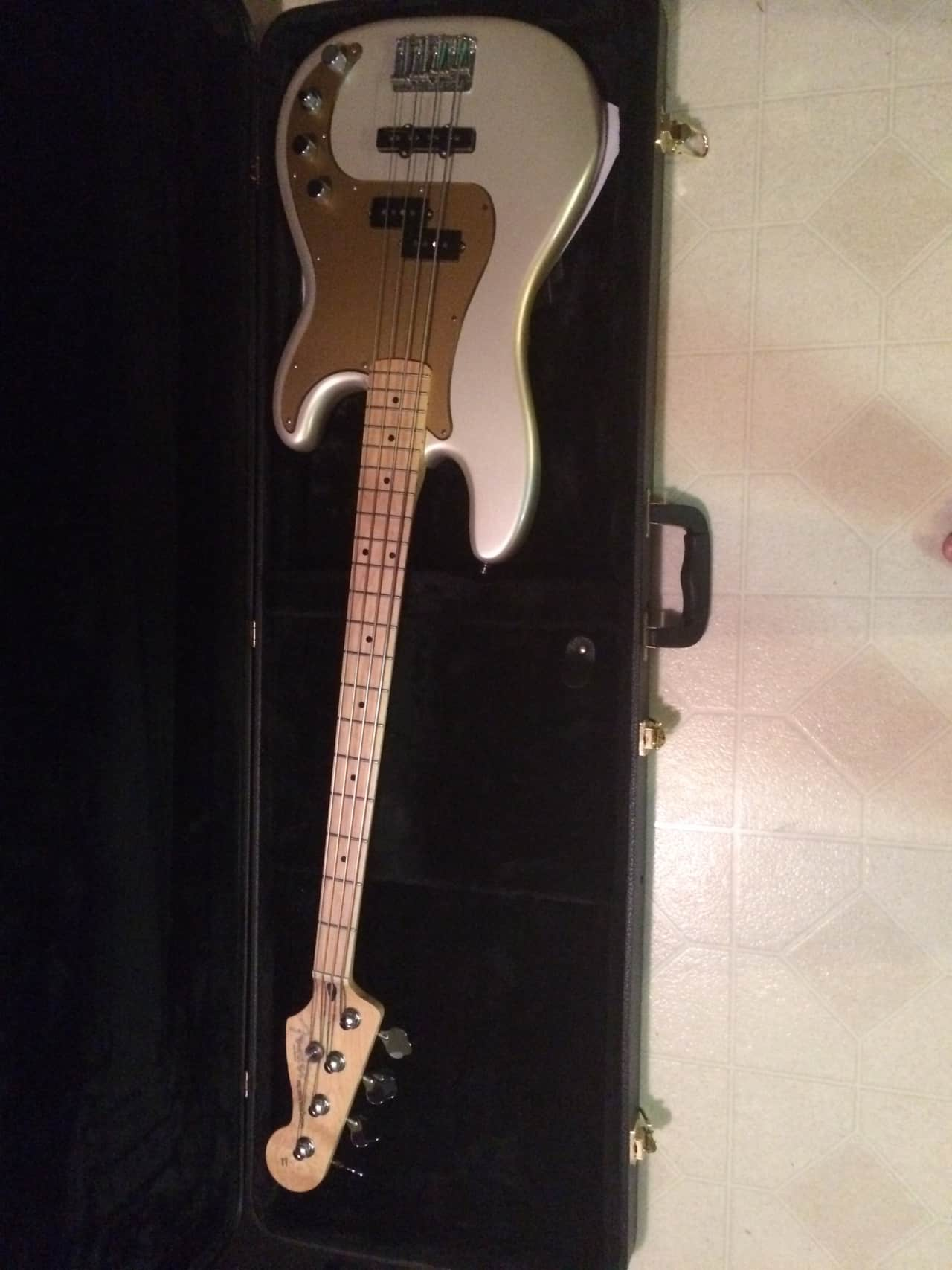 Fender Deluxe Series Active P Bass 2013 Blizzard Pearl