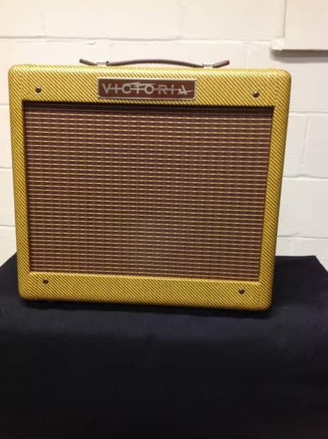 Victoria 518 Amp Reverb