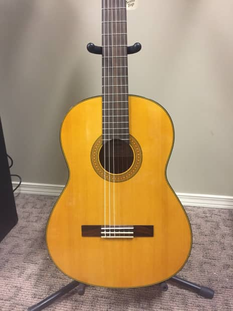 Yamaha cg142sh solid spruce top classical reverb for Yamaha solid top