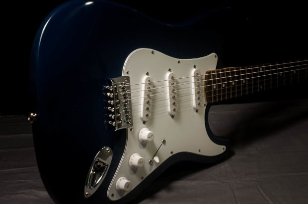 new fender squier bullet 6 string electric guitar w gig bag reverb. Black Bedroom Furniture Sets. Home Design Ideas