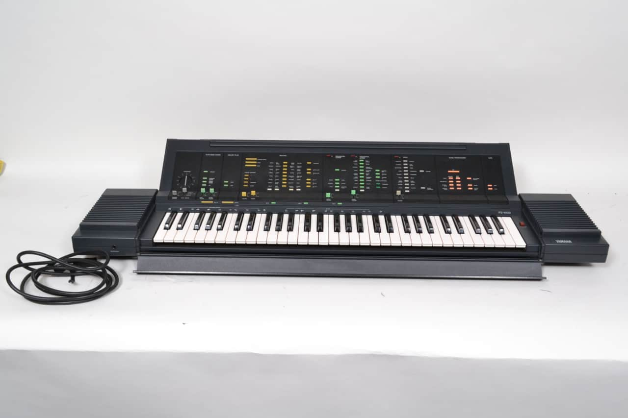 yamaha portatone electronic keyboard ps 6100 w case