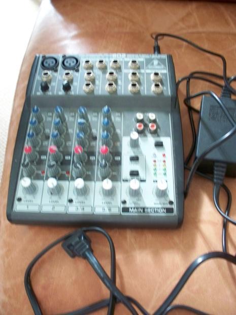 behringer xenya 802 8 channel mini mixer reverb. Black Bedroom Furniture Sets. Home Design Ideas