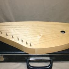 Lothar Gartner Flugel-Kantele Lyre Harp model 1955 with case image