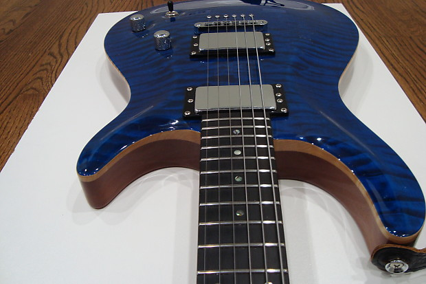 Carvin ct m california quilted maple carved top hard