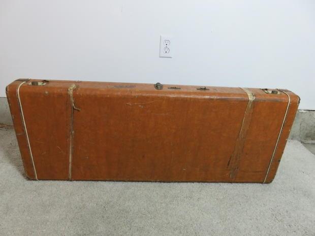 vintage kramer aluminum tan hardshell guitar case fair shape reverb. Black Bedroom Furniture Sets. Home Design Ideas