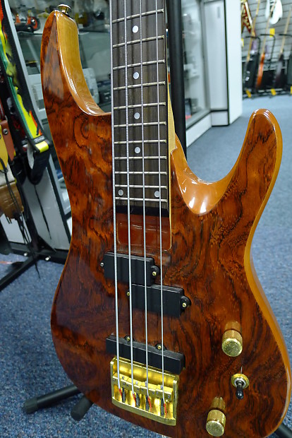 samick artist series 4 string precision bass guitar free reverb. Black Bedroom Furniture Sets. Home Design Ideas