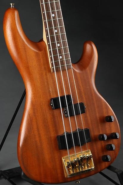 Fender Precision Bass Lyte Deluxe Reverb