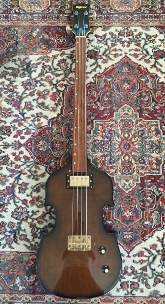 how to make a bass sound like a fretless