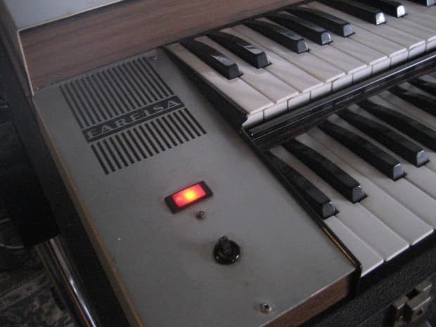 Farfisa vip 233 vintage 1970s combo organ complete reverb for Classic house organ bass