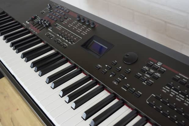 yamaha s90 xs 88 key keyboard synth weighted keys near reverb. Black Bedroom Furniture Sets. Home Design Ideas