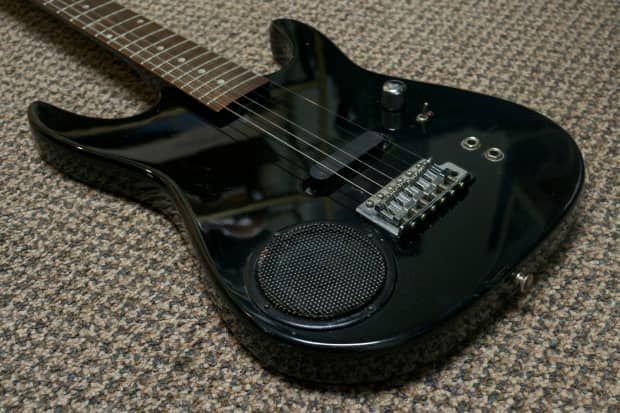 Synsonics Electric Guitar With Built In Amp : synsonics electric guitar w built in amp black reverb ~ Russianpoet.info Haus und Dekorationen