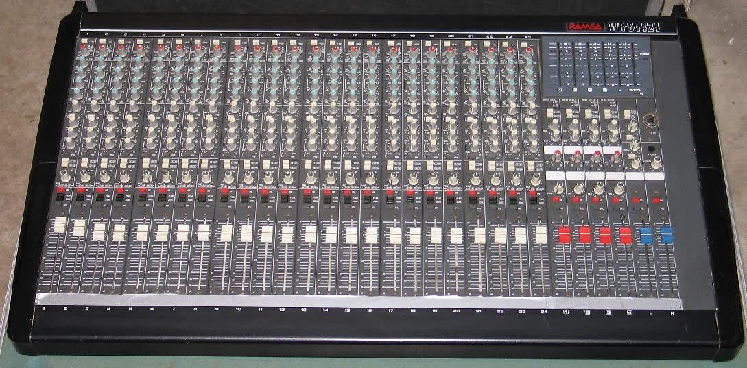 Ramsa wr s4424 professional 24 channel recording mixer mixing reverb - Professional mixing console ...