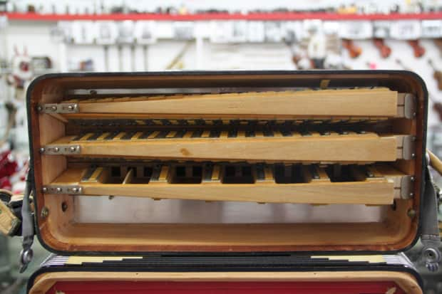 Rubens Auto Sales >> Rubens 120 Button Piano Accordion Made in Italy | Reverb