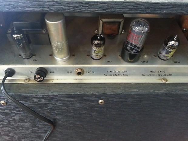 60 39 s danelectro dm 10 electric guitar amplifier vintage reverb. Black Bedroom Furniture Sets. Home Design Ideas